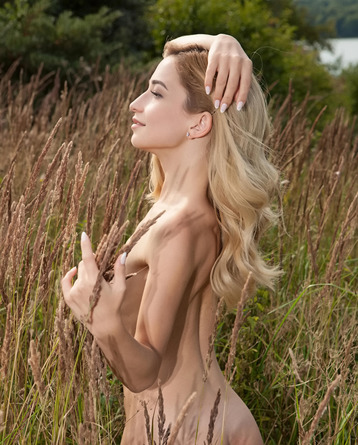 Breathtaking Blonde Susie