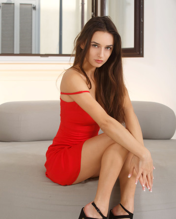Sexy Gloria In Red