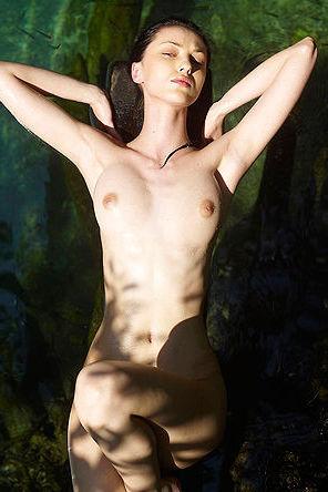 Anna Takes Off Her Hot Bikini