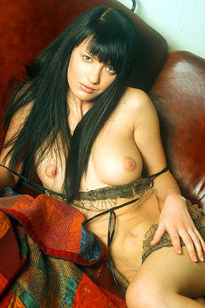 Black Haired Beauty In Sexy Poese