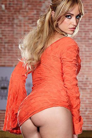 Angela Sommers Strips Off Her Orange Dress