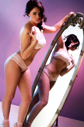 Ava Dalush In A Boob Tube
