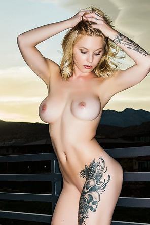 Jacky Sinn Tattooed Blonde Beauty Bebe